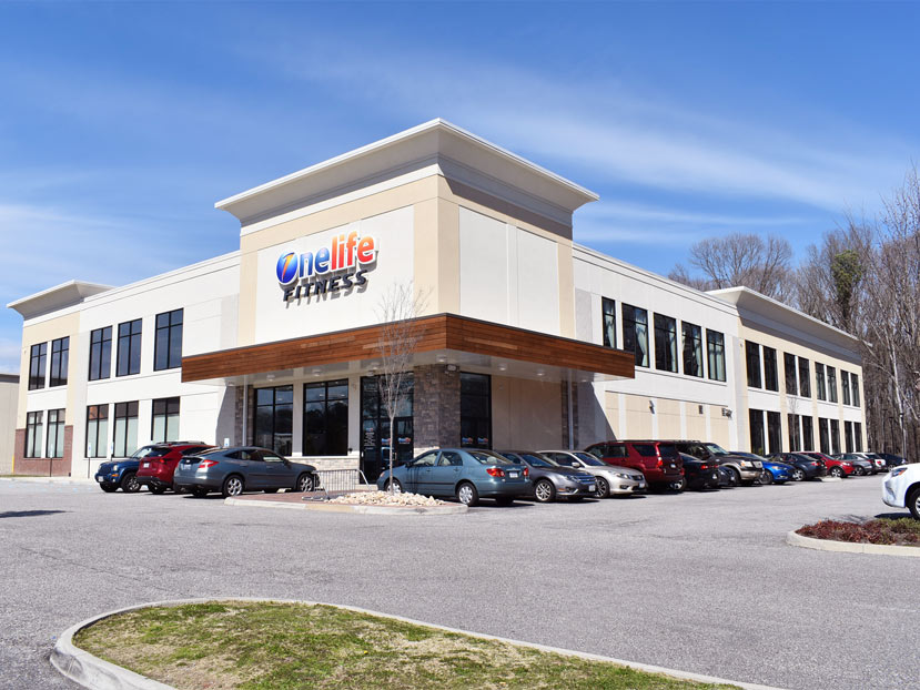 commercial glass exterior eindows and doorway install - onelife fitness newport news