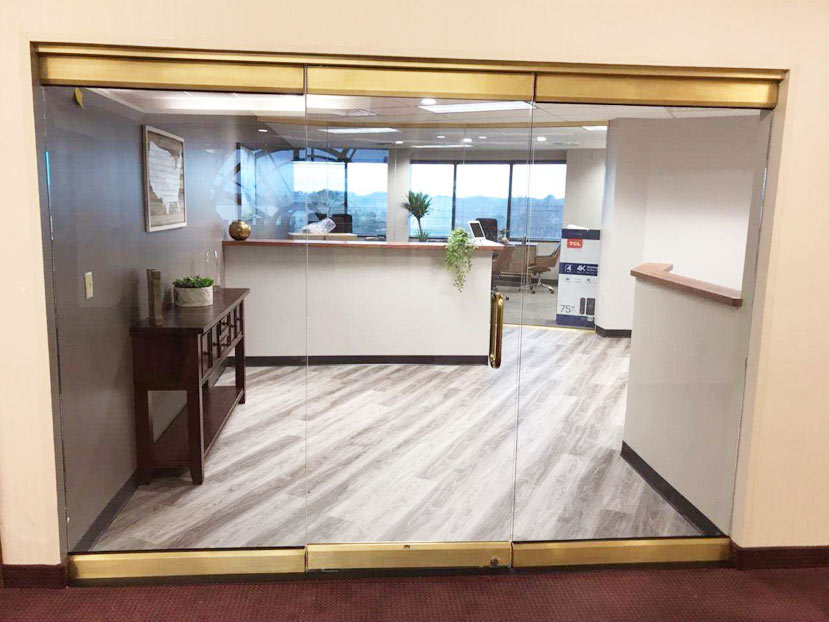 glass wall installation suntrust bank